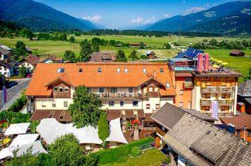 Unser All Inclusive Hotel Kärnten ist von einer malerischen Landschaft umgeben