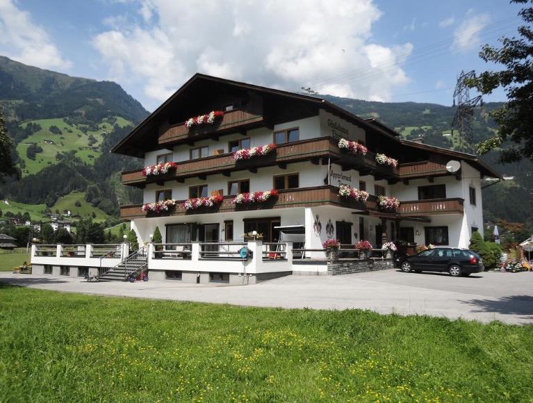 Unser Bauernhof im Zillertal ist bei Familien das ganze Jahr über beliebt