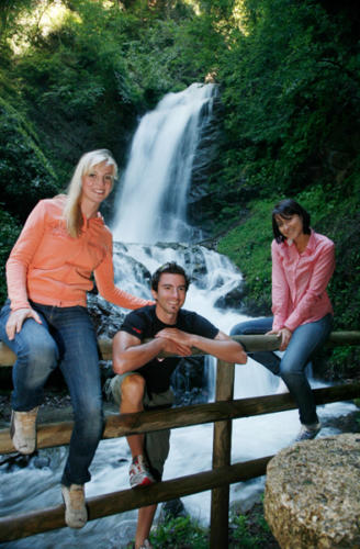 Der Weg zum beeindruckenden Wasserfall beginnt direkt hinter unserem All Inclusive Hotel in Kärnten