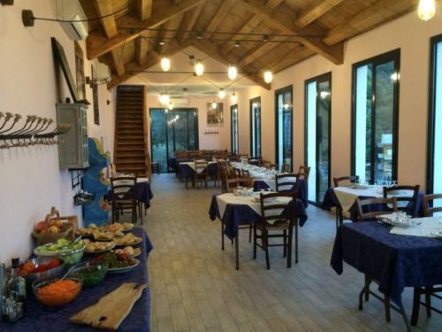 Köstlichkeiten vom Bauernhof im eigenen Restaurant serviert