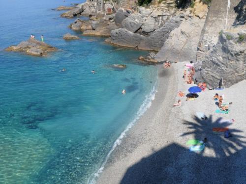 Verträumte Buchten laden in Ligurien zum Sonnenbaden und Schwimmen ein