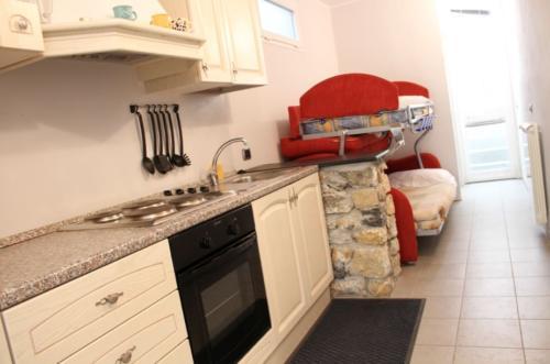 Wohnküche zum Kochen und Schlafen für die Kinder