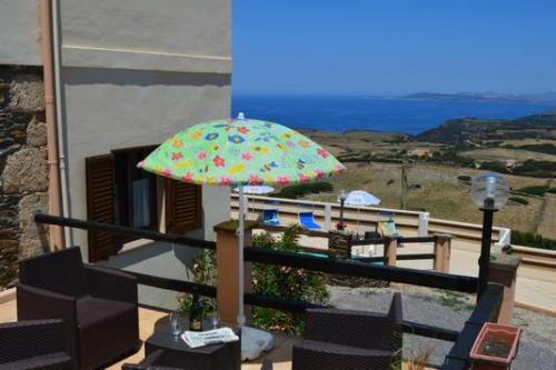 Herrliche Lage auf der Insel Sardinien mit Meerblick