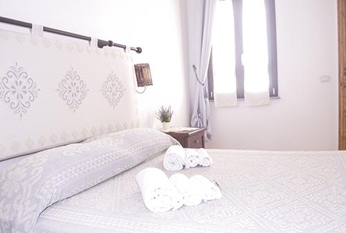 Helle, luftige Zimmer auf dem Bauernhof auf der Insel Sardinien