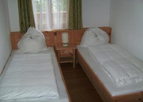 Schlafzimmer im Familienappartement