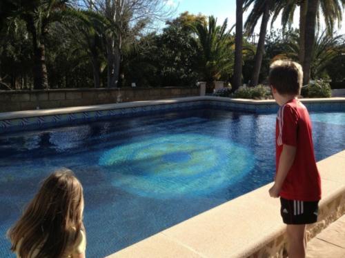 Bei Kindern ist der Pool unseres Familienhotels auf Mallorca besonders beliebt