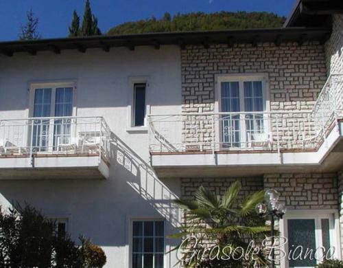 Das Familienhotel Gardasee verfügt über mehrere Gebäude mit Familienappartements und Zimmern