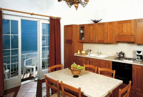 Die Familienappartements am Gardasee verfügen über Küchenzeilen