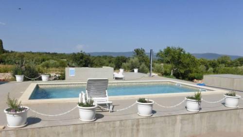 preiswerte-villa-mit-privatpool-11