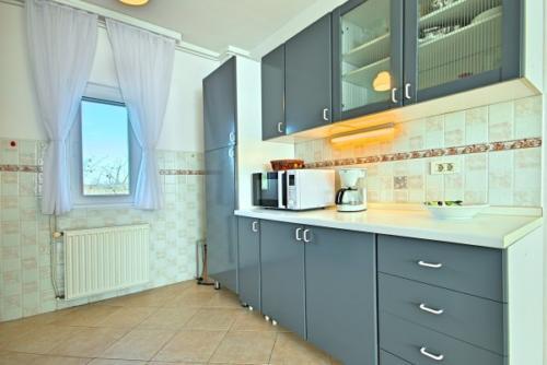 preiswerte-villa-mit-privatpool-3