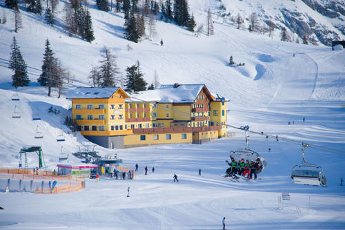 skihotel-an-der-piste-1